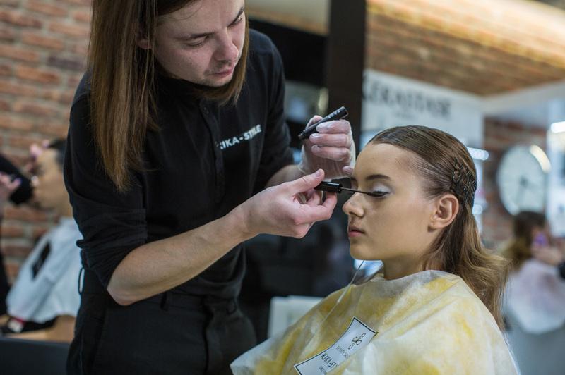 В фирменных магазинах «Отоме» можно приобрести любые товары японской косметики для волос, лица, тела, декоративную или восстанавливающую, антивозрастную продукцию и много других фирменных товаров.